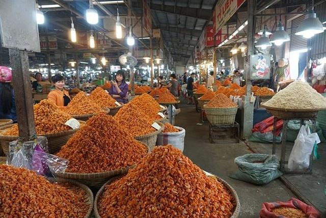 Chợ thủy hải sản khô lớn nhất Sài Gòn tất bật ngày cận Tết  - Ảnh 4.