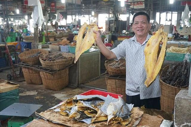 Chợ thủy hải sản khô lớn nhất Sài Gòn tất bật ngày cận Tết  - Ảnh 8.