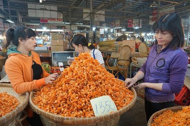 Chợ thủy hải sản khô lớn nhất Sài Gòn tất bật ngày cận Tết  - Ảnh 10.