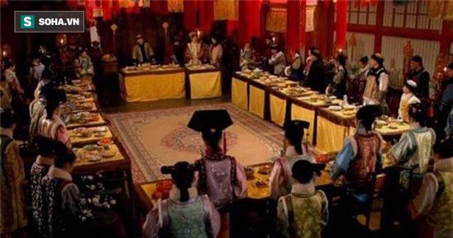 Những nghi thức đón Tết trong hoàng tộc nhà Thanh - Ảnh 2.