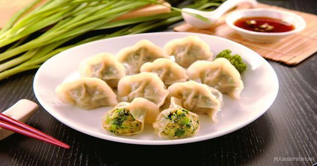 Vào dịp năm mới, người Trung Quốc thường ăn các món này để may mắn cả năm - Ảnh 4.