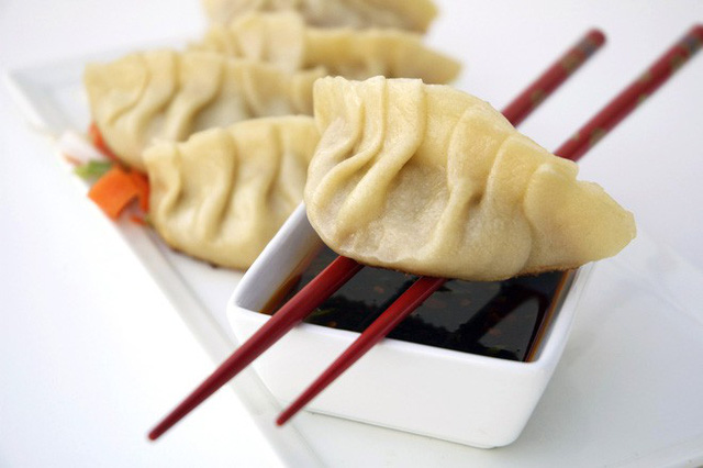 Vào dịp năm mới, người Trung Quốc thường ăn các món này để may mắn cả năm - Ảnh 5.