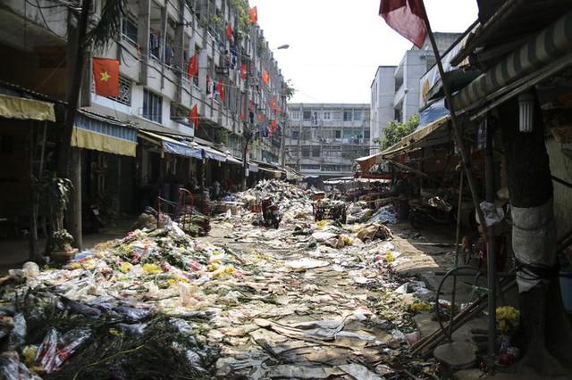 Hoa Tết dội chợ, chất như núi ở chợ hoa sỉ Đầm Sen, TP HCM - Ảnh 5.