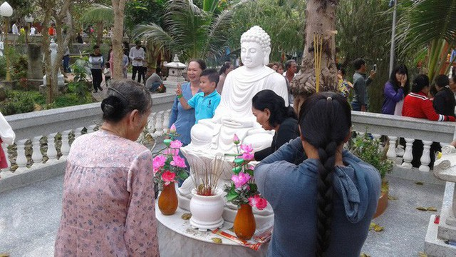 Mướt mồ hôi ở ngôi chùa lớn nhất miền Tây ngày Mùng 1 Tết - Ảnh 15.