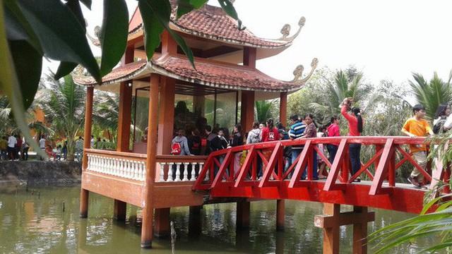 Mướt mồ hôi ở ngôi chùa lớn nhất miền Tây ngày Mùng 1 Tết - Ảnh 22.