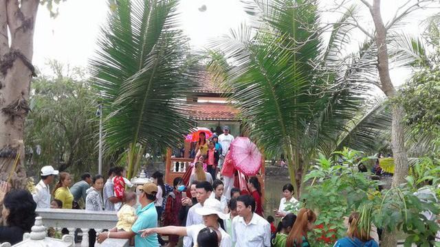 Mướt mồ hôi ở ngôi chùa lớn nhất miền Tây ngày Mùng 1 Tết - Ảnh 23.