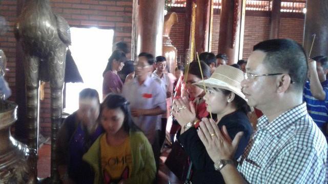 Mướt mồ hôi ở ngôi chùa lớn nhất miền Tây ngày Mùng 1 Tết - Ảnh 26.