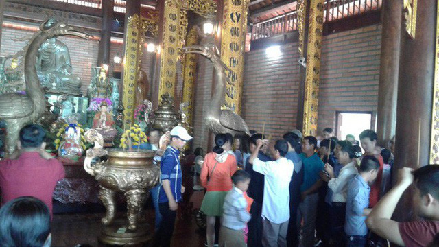 Mướt mồ hôi ở ngôi chùa lớn nhất miền Tây ngày Mùng 1 Tết - Ảnh 28.