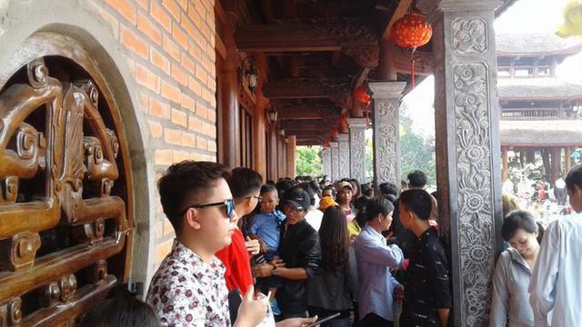 Mướt mồ hôi ở ngôi chùa lớn nhất miền Tây ngày Mùng 1 Tết - Ảnh 8.