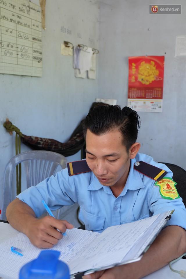 Cay mắt với những mẩu chuyện về những phận đời tha huơng, ở lại Sài Gòn mưu sinh ngày Tết - Ảnh 11.