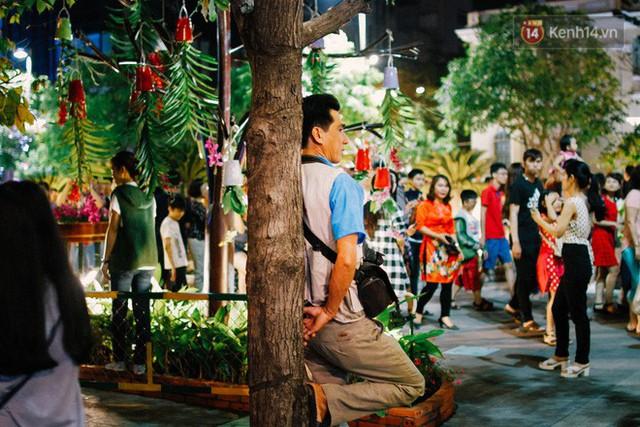 Cay mắt với những mẩu chuyện về những phận đời tha huơng, ở lại Sài Gòn mưu sinh ngày Tết - Ảnh 3.