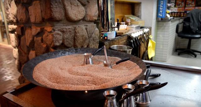 Đến Thổ Nhĩ Kỳ thưởng thức cà phê cát nằm trong danh sách văn hóa phi vật thể của nhân loại - Ảnh 3.