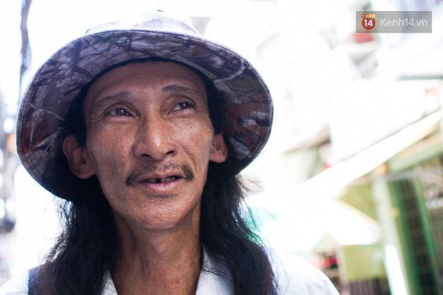 Cay mắt với những mẩu chuyện về những phận đời tha huơng, ở lại Sài Gòn mưu sinh ngày Tết - Ảnh 4.