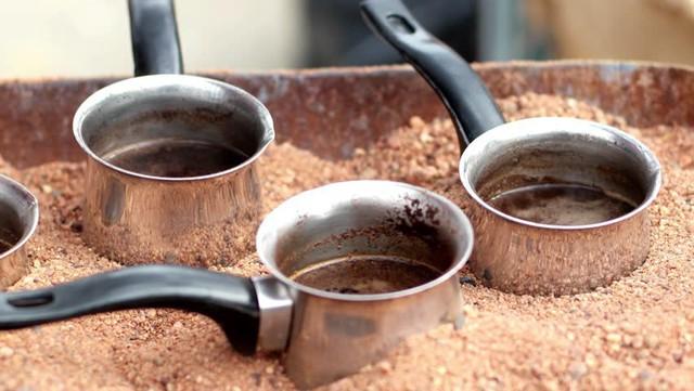 Đến Thổ Nhĩ Kỳ thưởng thức cà phê cát nằm trong danh sách văn hóa phi vật thể của nhân loại - Ảnh 4.