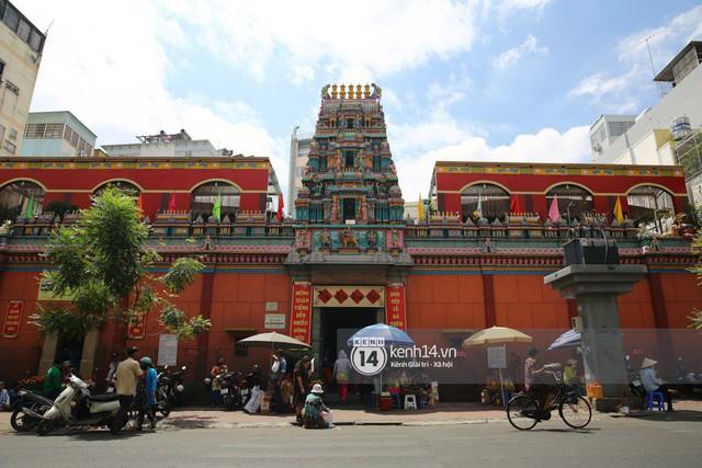 Người dân ùn ùn rủ nhau đến 4 ngôi chùa xóa ế nổi tiếng nhất Sài Gòn cầu duyên - Ảnh 34.