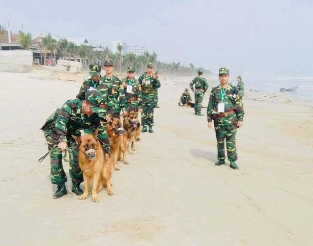 Biệt đội chó đặc nhiệm và chuyện chưa kể về vật thể lạ khi đón Tổng thống Trump - Ảnh 6.