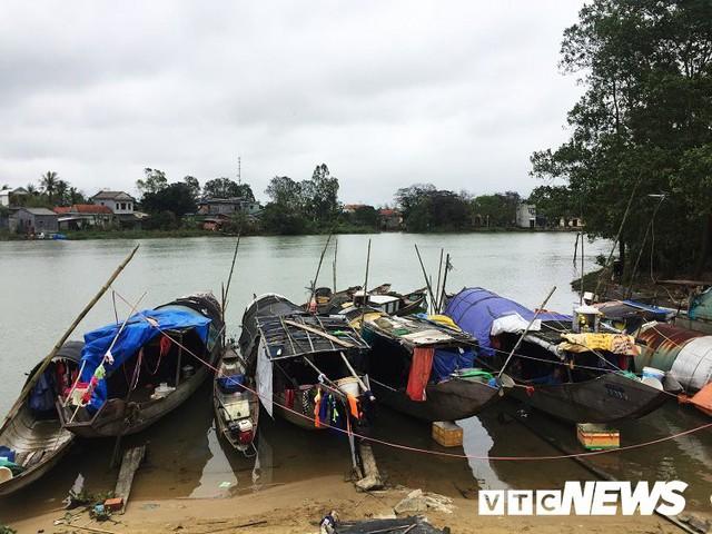 Những người không có Tết ở xóm vạn đò cuối cùng trên sông Hương - Ảnh 1.