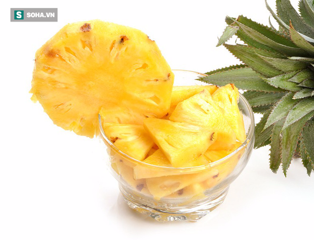 Dứa là trái cây tốt cho nội tạng, làm sạch đường ruột, nhưng nhóm người này không nên ăn - Ảnh 1.