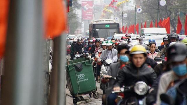 Giao thông Hà Nội bắt đầu tăng tăng nhiệt - Ảnh 1.