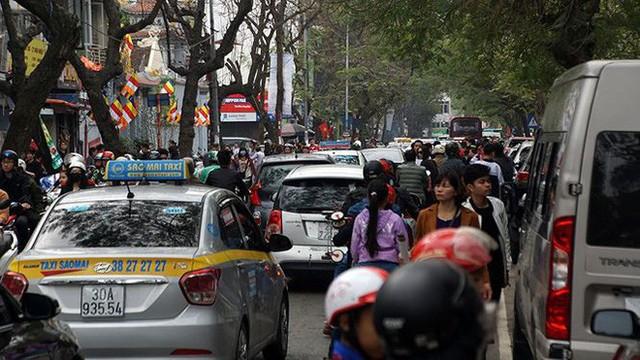 Giao thông Hà Nội bắt đầu tăng tăng nhiệt - Ảnh 11.