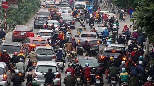 Giao thông Hà Nội bắt đầu tăng tăng nhiệt - Ảnh 4.