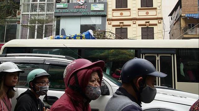 Giao thông Hà Nội bắt đầu tăng tăng nhiệt - Ảnh 5.
