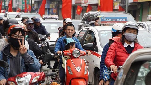 Giao thông Hà Nội bắt đầu tăng tăng nhiệt - Ảnh 6.
