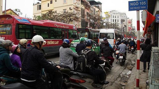 Giao thông Hà Nội bắt đầu tăng tăng nhiệt - Ảnh 7.