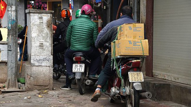 Giao thông Hà Nội bắt đầu tăng tăng nhiệt - Ảnh 9.