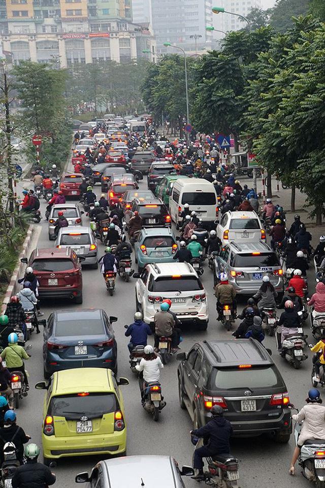 Giao thông Hà Nội bắt đầu tăng tăng nhiệt - Ảnh 10.