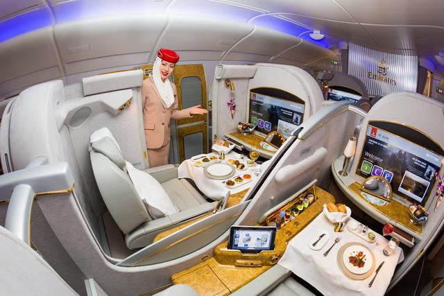 Chuyện nghề giờ mới kể của tiếp viên hãng hàng không Emirates sang chảnh bậc nhất Dubai - Ảnh 2.
