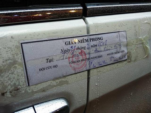 Quận Hoàn Kiếm ra quân lập lại trật tự vỉa hè trong ngày làm việc đầu tiên của năm mới - Ảnh 8.