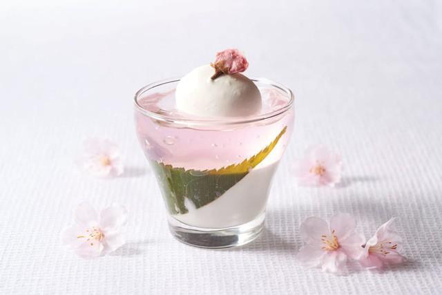 Không chỉ có mùa hoa anh đào Nhật Bản mới rực rỡ mà ẩm thực với hương vị hoa anh đào cũng đẹp mắt không kém - Ảnh 1.