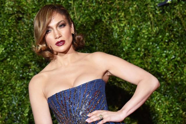Gần 50 tuổi nhưng điều gì đã giúp Jennifer Lopez vẫn luôn trẻ trung, quyến rũ? - Ảnh 10.