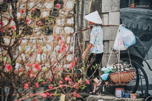 Phố bích họa Phùng Hưng hồi sinh, trở thành phố đi bộ kết nối với không gian chợ Đồng Xuân - Ảnh 13.
