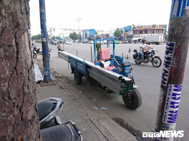 Ảnh: Xe máy chém lộng hành khắp phố Sài Gòn dịp cận Tết - Ảnh 5.