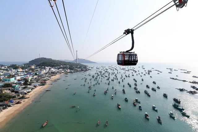 Khánh thành, đưa vào làm việc cáp treo dài nhất địa cầu ở Phú Quốc - Ảnh 2.