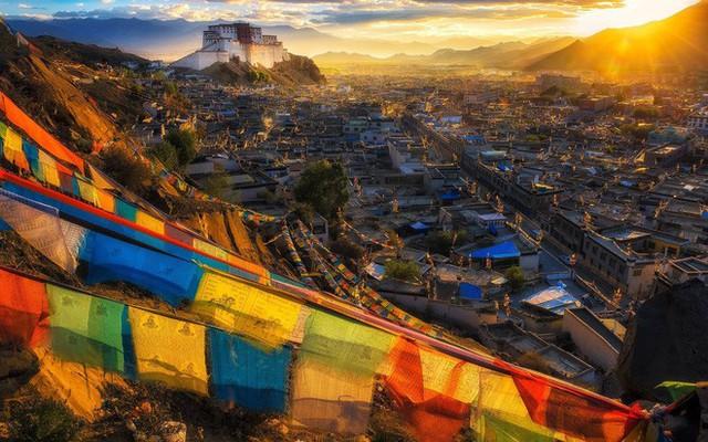 Trà bơ - thức uống phải đi gần 4.000 km mới đến nơi, giúp người Tây Tạng tồn tại hàng ngàn năm giữa cao nguyên lạnh giá - Ảnh 1.