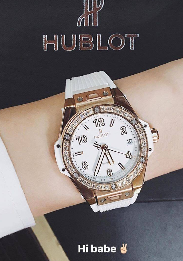 HH Kỳ Duyên đập hộp chiếc Hublot 400 triệu: 138 viên kim cương và là niềm mơ ước của dân chơi sành sỏi - Ảnh 4.