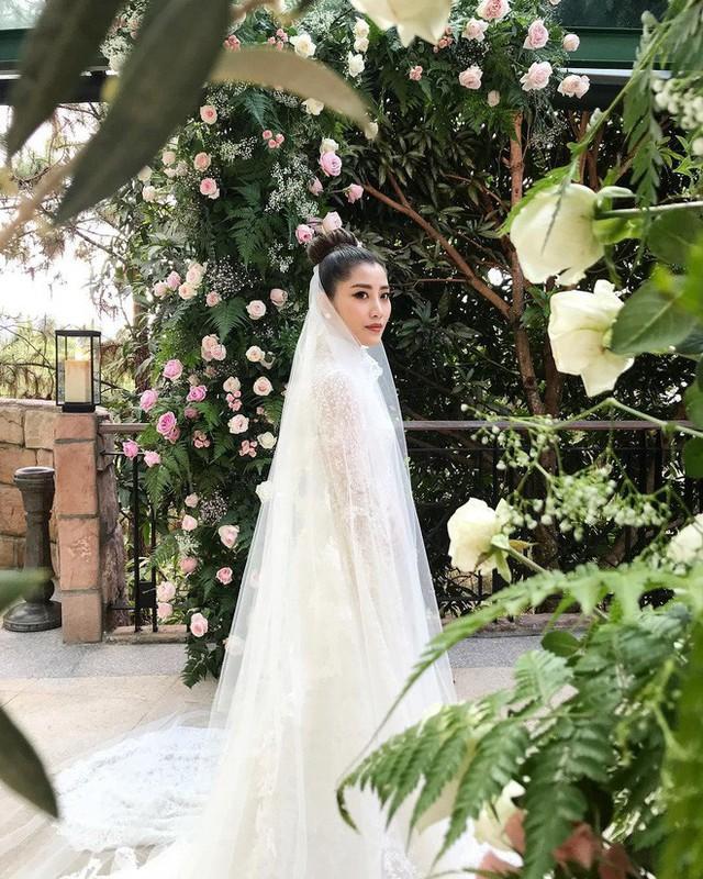 Có gì ở đám cưới cực kì xa hoa của người thừa kế xứng đôi nức tiếng hội con nhà giàu Châu Á  - Ảnh 11.