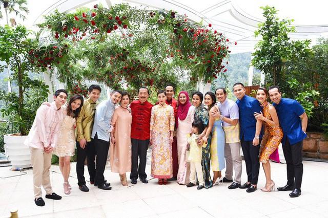 Có gì ở đám cưới cực kì xa hoa của người thừa kế xứng đôi nức tiếng hội con nhà giàu Châu Á  - Ảnh 14.