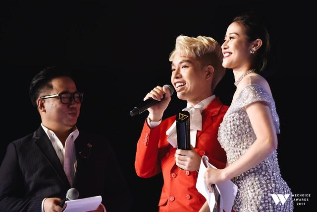 Khoảnh khắc WeChoice Awards: Đẹp nhất là khi Sơn Tùng, bé Bôm và các nghệ sĩ Việt cùng chậm lại trong dòng cảm xúc vỡ òa - Ảnh 17.