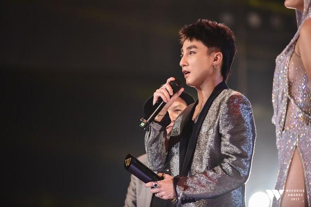 Khoảnh khắc WeChoice Awards: Đẹp nhất là khi Sơn Tùng, bé Bôm và các nghệ sĩ Việt cùng chậm lại trong dòng cảm xúc vỡ òa - Ảnh 30.