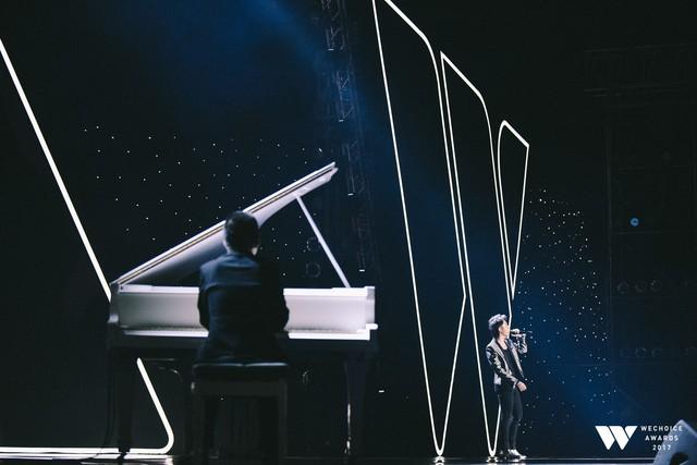 Khoảnh khắc WeChoice Awards: Đẹp nhất là khi Sơn Tùng, bé Bôm và các nghệ sĩ Việt cùng chậm lại trong dòng cảm xúc vỡ òa - Ảnh 5.