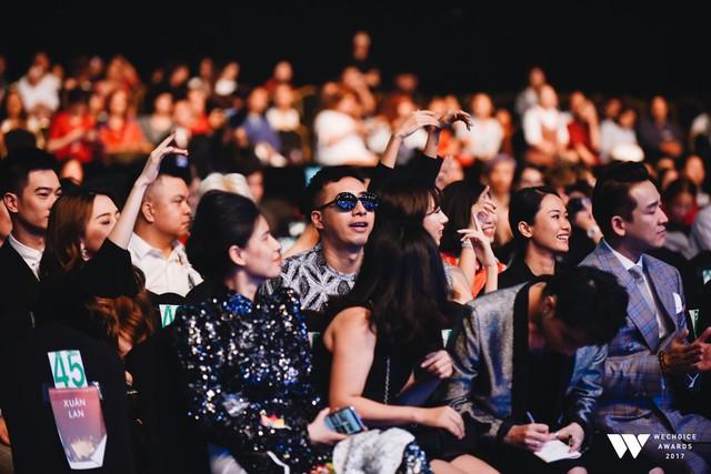 Khoảnh khắc WeChoice Awards: Đẹp nhất là khi Sơn Tùng, bé Bôm và các nghệ sĩ Việt cùng chậm lại trong dòng cảm xúc vỡ òa - Ảnh 44.