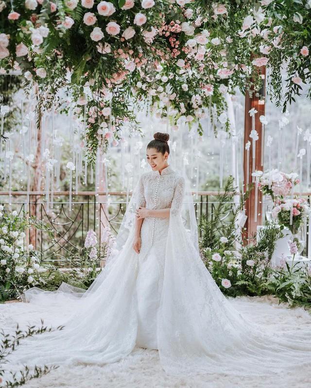 Có gì ở đám cưới cực kì xa hoa của người thừa kế xứng đôi nức tiếng hội con nhà giàu Châu Á  - Ảnh 7.
