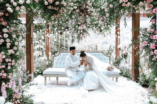 Có gì ở đám cưới cực kì xa hoa của người thừa kế xứng đôi nức tiếng hội con nhà giàu Châu Á  - Ảnh 8.