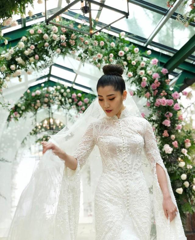 Có gì ở đám cưới cực kì xa hoa của người thừa kế xứng đôi nức tiếng hội con nhà giàu Châu Á  - Ảnh 10.