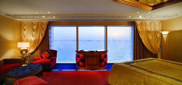 Trải nghiệm dịch vụ siêu sang của khách sạn 7 sao duy nhất trên thế giới - Ảnh 4.