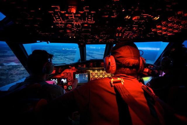 Bí ẩn MH370: Ngành công nghiệp hàng không thế giới vẫn chưa làm được điều một chiếc điện thoại bình thường làm dễ dàng - Ảnh 1.